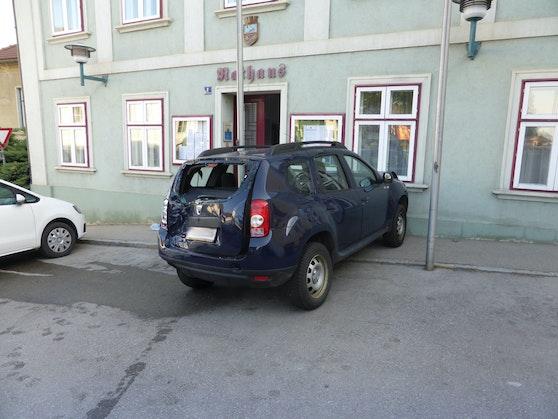 Ein Bild vom Unfall in Großweikersdorf.