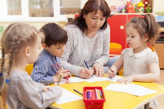 Während der Corona-Krise wurden laut einer Pädagogin Kinder mit Fieber und Husten in die Betreuung gegeben.