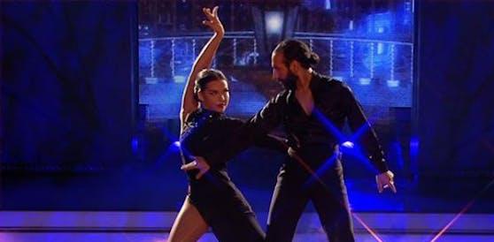 Lili-Paul Roncalli und Massimo Sinato: Sexy beim Tango