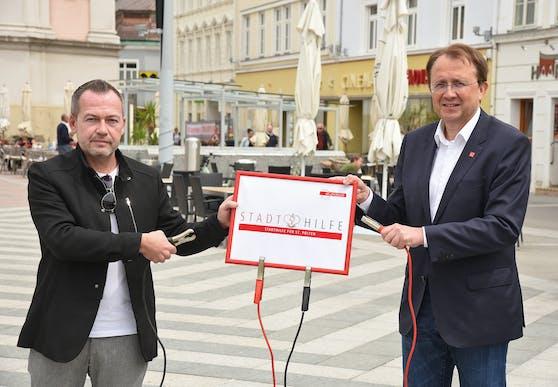 Bachel (li.) und Stadler am Rathausplatz