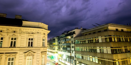 (Symbolbild) Am Abend erreicht die Unwetterfront die