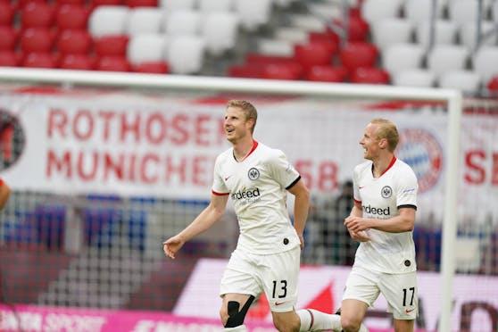 Martin Hinteregger trifft gleich doppelt gegen die Bayern.