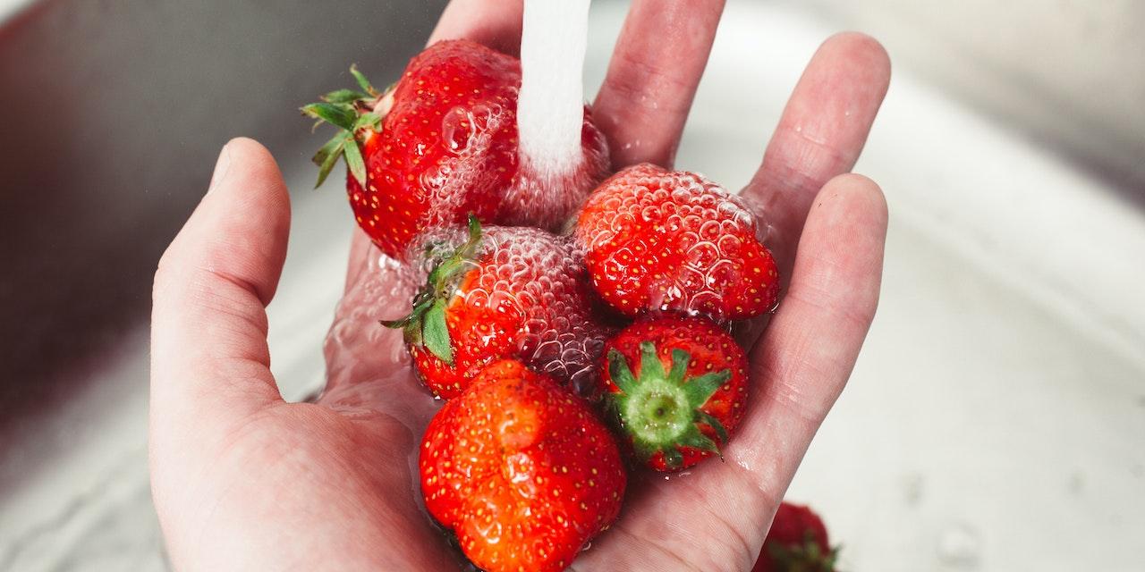 Erdbeeren Salzwasser