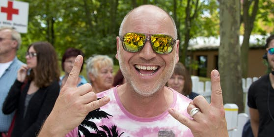 """Ballermann-Star Olaf Henning (""""Maddalena - du Luder!"""") ist seit 20 Jahren süchtig nach Nasensprays."""