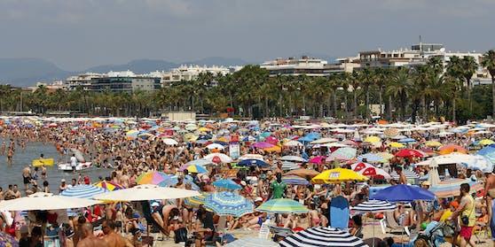 Können wir schon bald wieder Urlaub am Strand machen?
