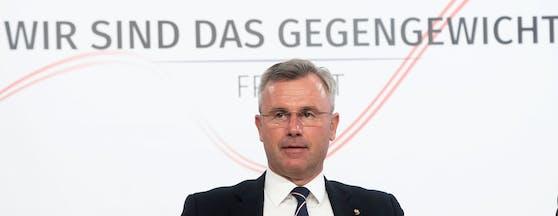 Klubobmann und Vorsitzender der FPÖ Norbert Hofer bei einer Pressekonferenz am 13. Mai 2020