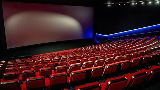 Bis 7. Jänner 2021 bleiben Kinos weiterhin geschlossen. Ob dann geöffnet werden darf, soll eine Zwischenevaluierung Mitte Dezember entscheiden.