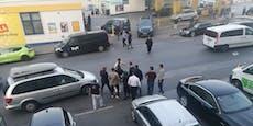 Männer prügeln bei Wiener Tankstelle aufeinander ein