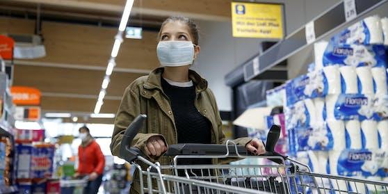 Die landesweite Maskenpflicht im Handel hätten 50 Prozent gerne wieder zurück.