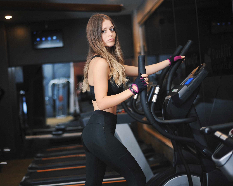 So kehrst du sicher ins Fitness-Studio zurück