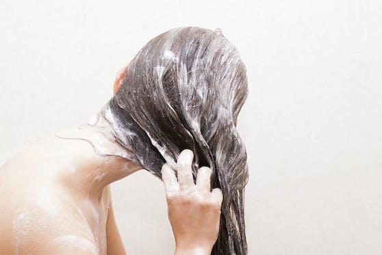 Wie schlagen sich Haarseifen gegen Flüssigprodukte?