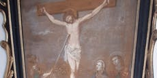 "Jesus-Bild zerstört: Polizei jagt ""Kreuzweg-Rowdies"""