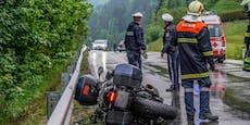 Todessturz von Biker auf Regen-Fahrbahn in Lunz/See