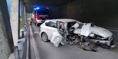 17-Jähriger baut betrunken Unfall mit Mamas Auto