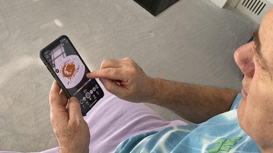 Damien Hirst nützt die Augmented Reality Linse von Snapchat