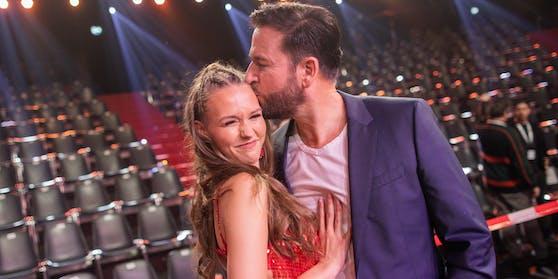 """Michael Wendlers blutjunge Ehefrau Laura darf bei """"Deutschland sucht den Superstar"""" mitmischen."""