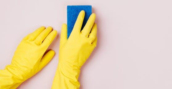 Jedes Jahr kommen zahlreiche neue Putz- und Reinigungsmittel auf den Markt. Hausmittel tun es auch.