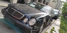 Mercedes-Lenker zieht Spur der Verwüstung am Gürtel