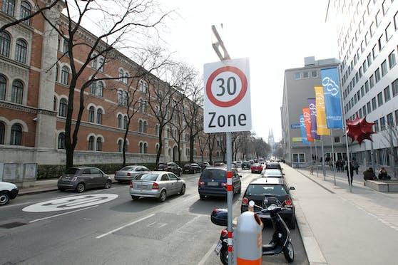 Die Hörlgasse im Alsergrund wird Wiens dritter und längster Pop Up-Radweg.