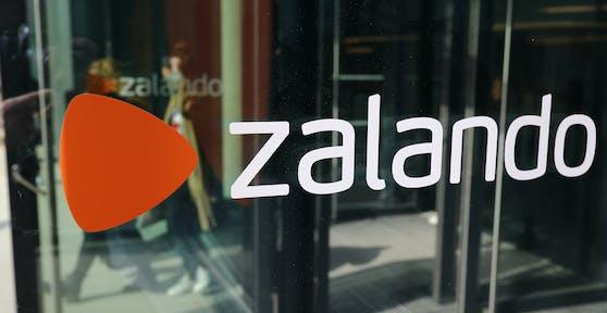 """Zalando startet jetzt auch den Verkauf von Second-Hand-Mode - für Kunden in Österreich heißt es aber noch: """"Bitte warten""""."""