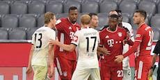 Hinteregger stößt Bayern-Star gegen die Werbebande