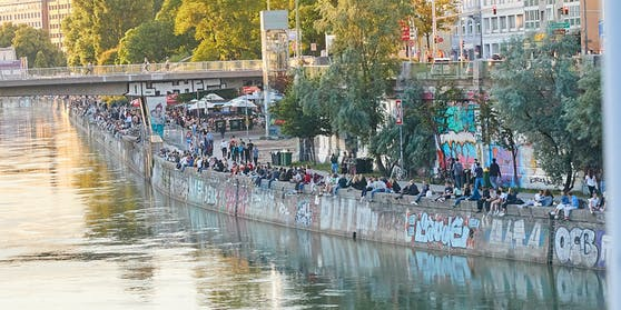 Menschen am Donaukanal