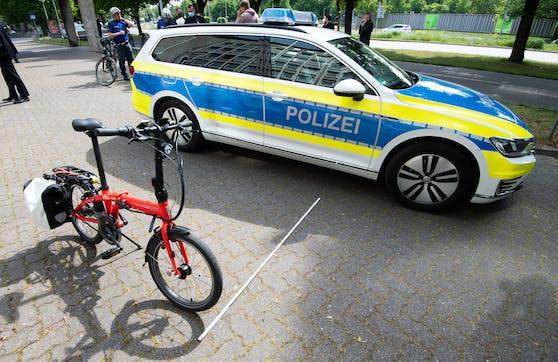In Deutschland soll eine Polizistin sichergestellte Fahrräder weiterverkauft haben.