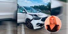 Schlager-Star kracht am Weg zu Show in einen Mercedes