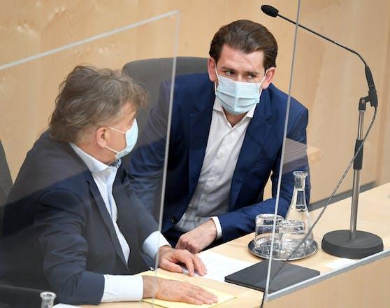 Vizekanzler Werner Kogler (Grüne) und Bundeskanzler Sebastian Kurz (ÖVP).