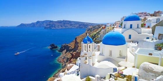 Die Hoteliers und Gastwirte in Santorin freuen sich auf möglichst viele Urlauberinnen und Urlauber aus dem Ausland.