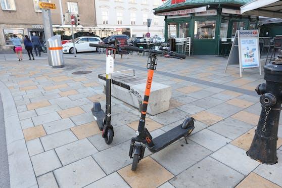 Seit 1. Mai gelten strengere Regeln und Parkverbote für E-Scooter, doch kaum einer kennt sie.