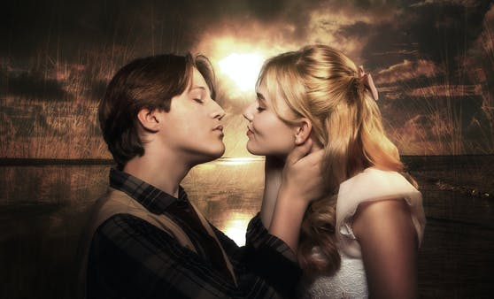 Kuss zwischen Tom und Becky