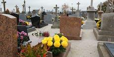 Jugendliche stehlen Alkohol und schänden 31 Gräber