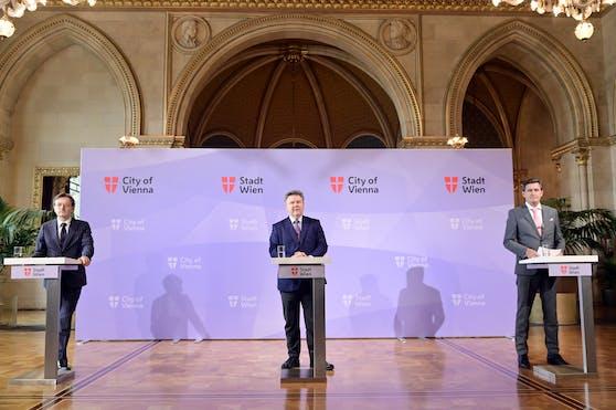 Der Geschäftsführer der Wirtschaftsagentur Gerhard Hirczi, Bürgermeister Michael Ludwig und Wirtschaftsstadtrat Peter Hanke (v.l.n.r.) präsentierten die Bilanz der internationalen Betriebsansiedlungen.