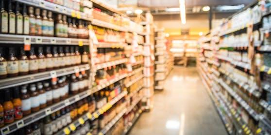 Die Getränkeflaschen mit dem Gift wurden in zwei Supermärkten in München gefunden.