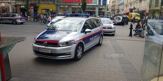 Rettungs-Einsatz auf der Wiener Mariahilfer Straße