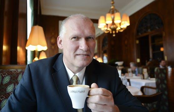 Landtmann-Chef Berndt Querfeld rechnet erst Mitte Mai mit einer Gastro-Öffnung.