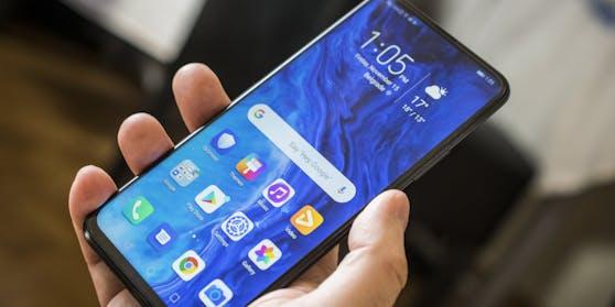 Smartphones sind jetzt nur mehr halb so teuer.