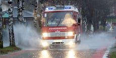 Überflutungen! Feuerwehren im Dauer-Einsatz