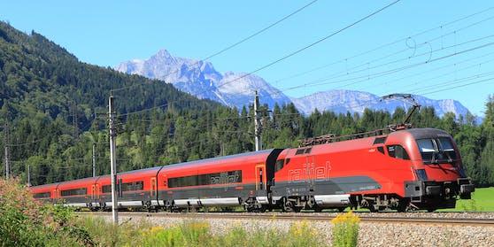 Vom Flughafen Wien bis nach Telfs in Tirol ging seine Reise.