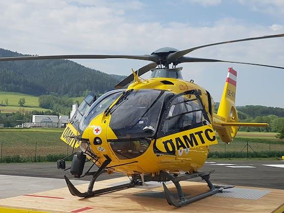 Der Verletzte wurde vom Rettungshubschrauber Christophorus 17 in das UKH Graz eingeliefert.