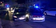 Lenker kracht bei Verfolgungsjagd in Polizeiauto