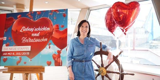 """Nina Horowitz (42) macht die neuen """"Liebesg'schichten""""."""