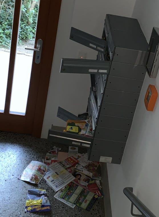 Noch immer werden Postkästen, gewaltsam aufgebrochen, nach den Gutscheinen durchsucht.