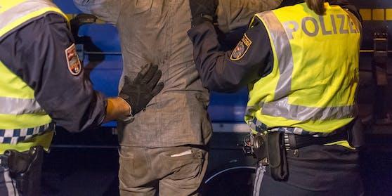 Die Verdächtigen wurden festgenommen.