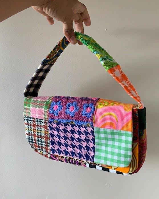 Diese Tasche ist begehrt wie nie. Grund ist der grassierende 90er-Trend.