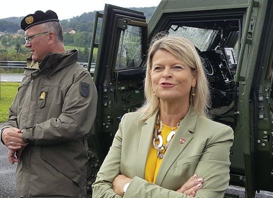 Klaudia Tanner sagt Oberösterreich volle Unterstützung zu.