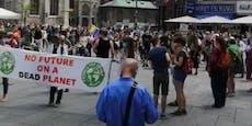 Demonstranten gehen wieder für Fridays For Future raus