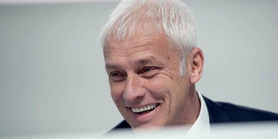 Ex-VW-Chef Matthias Müller auch nach seinem Rücktritt als VW-Chef gut lachen.