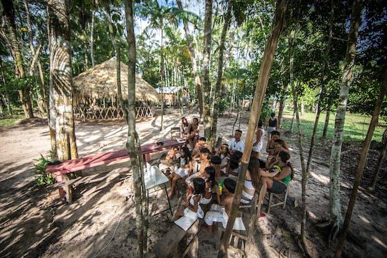 Ein Ureinwoherstamm in Brasilien